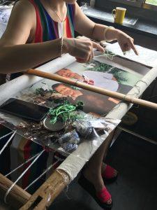 湖南刺繍の作業風景